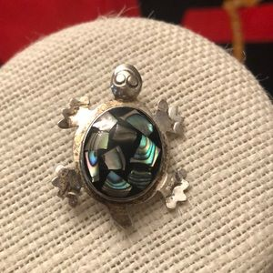 Vintage 925 silver Mexico mother of pearl turtle